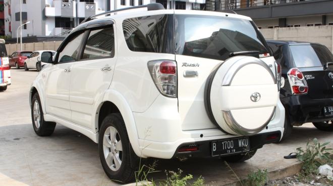 daftar_harga_paling_murah_queen_rent-car-jakarta