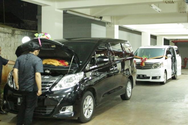 harga_sewa_alphard_vellfire_wedding_car_paling_murah_plus_decor