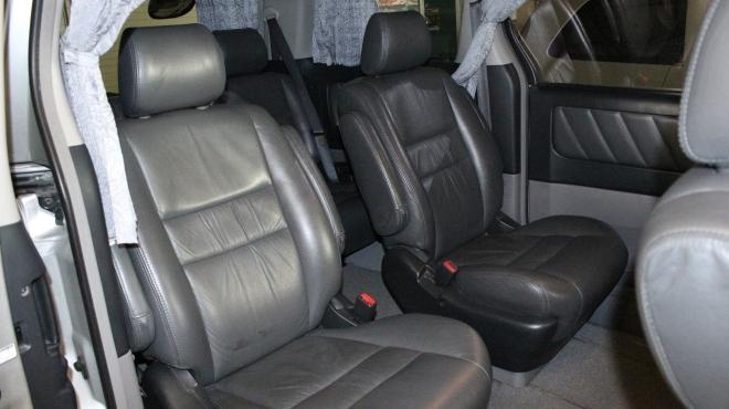 interior_mobil_toyota_alphard_vellfire_elegan_luas_bersih
