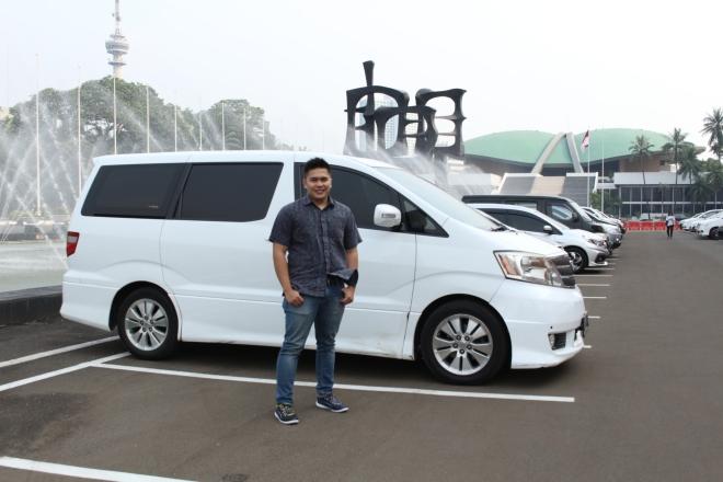mobil_alphard_ngantar_dprd_papua_queen_rent_car