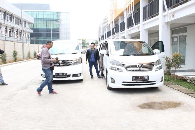 queen_rent_car_tempat_jasa_sewa_mobil_alphard_vellfire_paling_murah