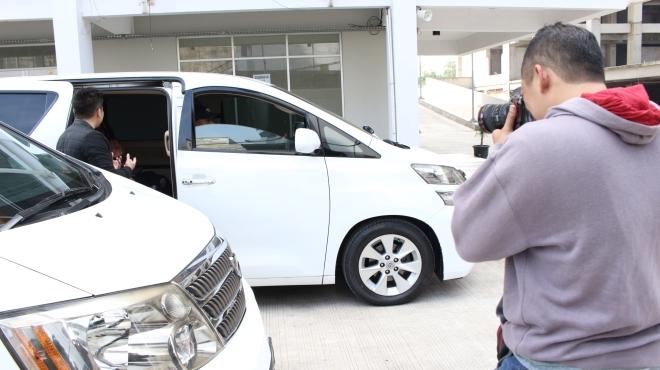 queen_rent_car_tempat_jasa_sewa_mobil_alphard_vellfire_paling_murah_kualitas_terjamin