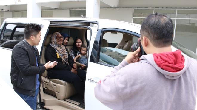 queen_rent_car_tempat_jasa_sewa_mobil_alphard_vellfire_paling_terpercaya
