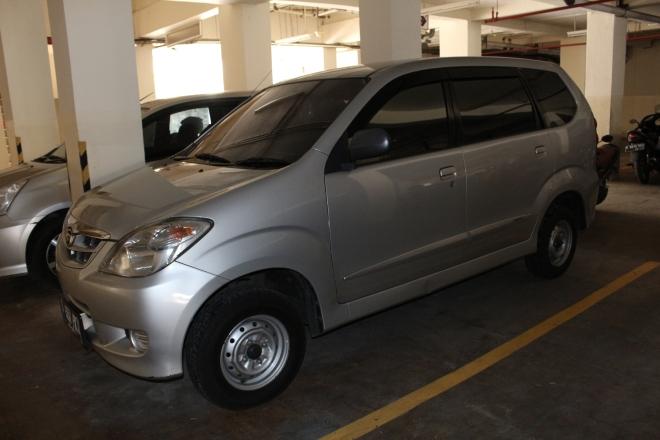 rental_mobil_queen_rent_car_jakarta_paling_murah_kualitas_terjamin