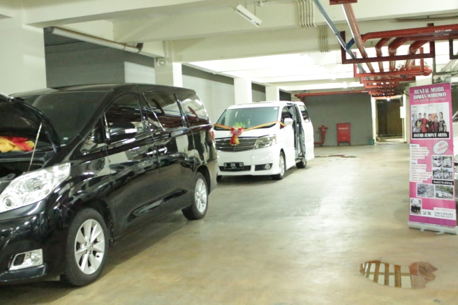 sewa_mobil_alphard_vellfire_termurah_wedding_car_plus_decor